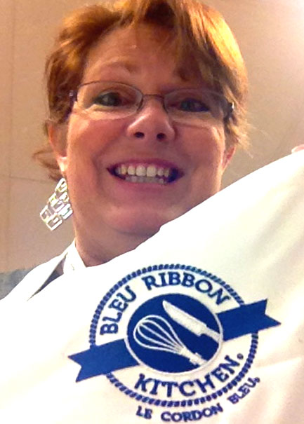 Bleu Ribbon Kitchen Apron