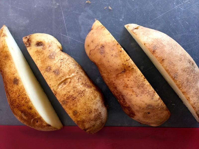 Potato Wedges Cutting