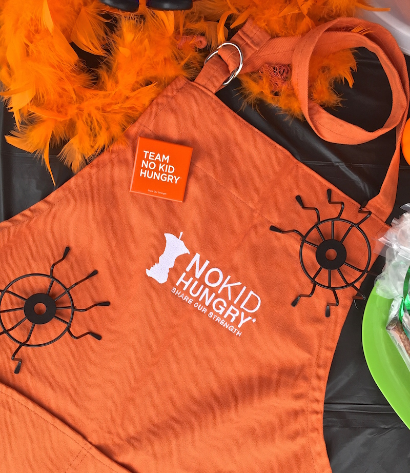 Team No Kid Hungry Apron