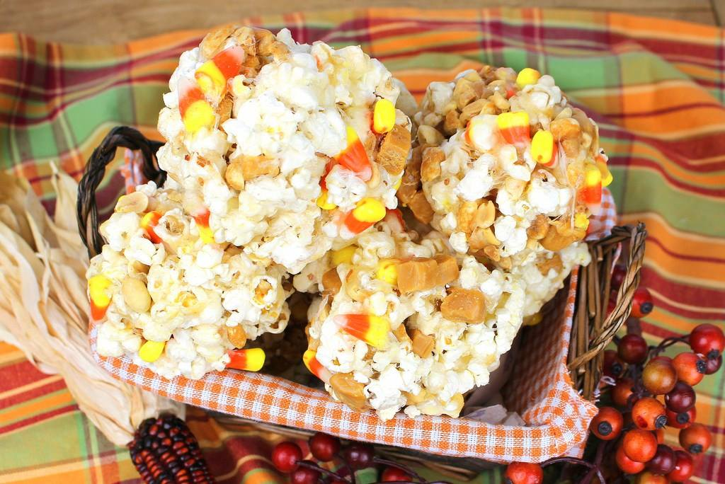 21 recipes to make with leftover halloween candy