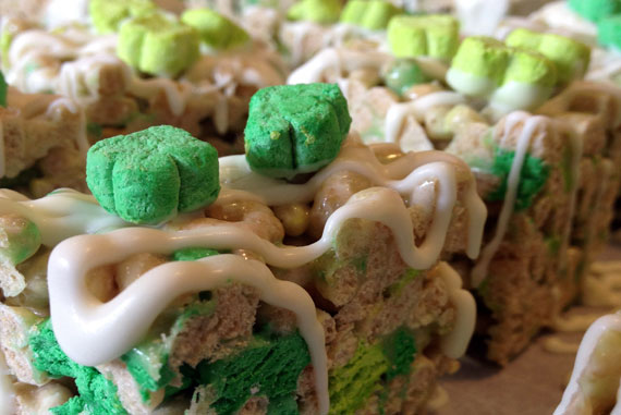 Lucky Charms Cereal Treats!
