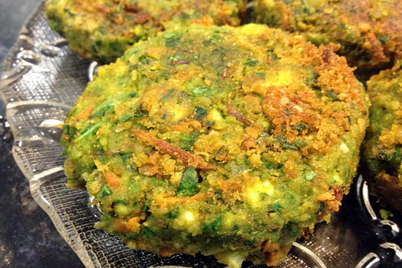 SuperGreens and Garbanzo Beans Fritters